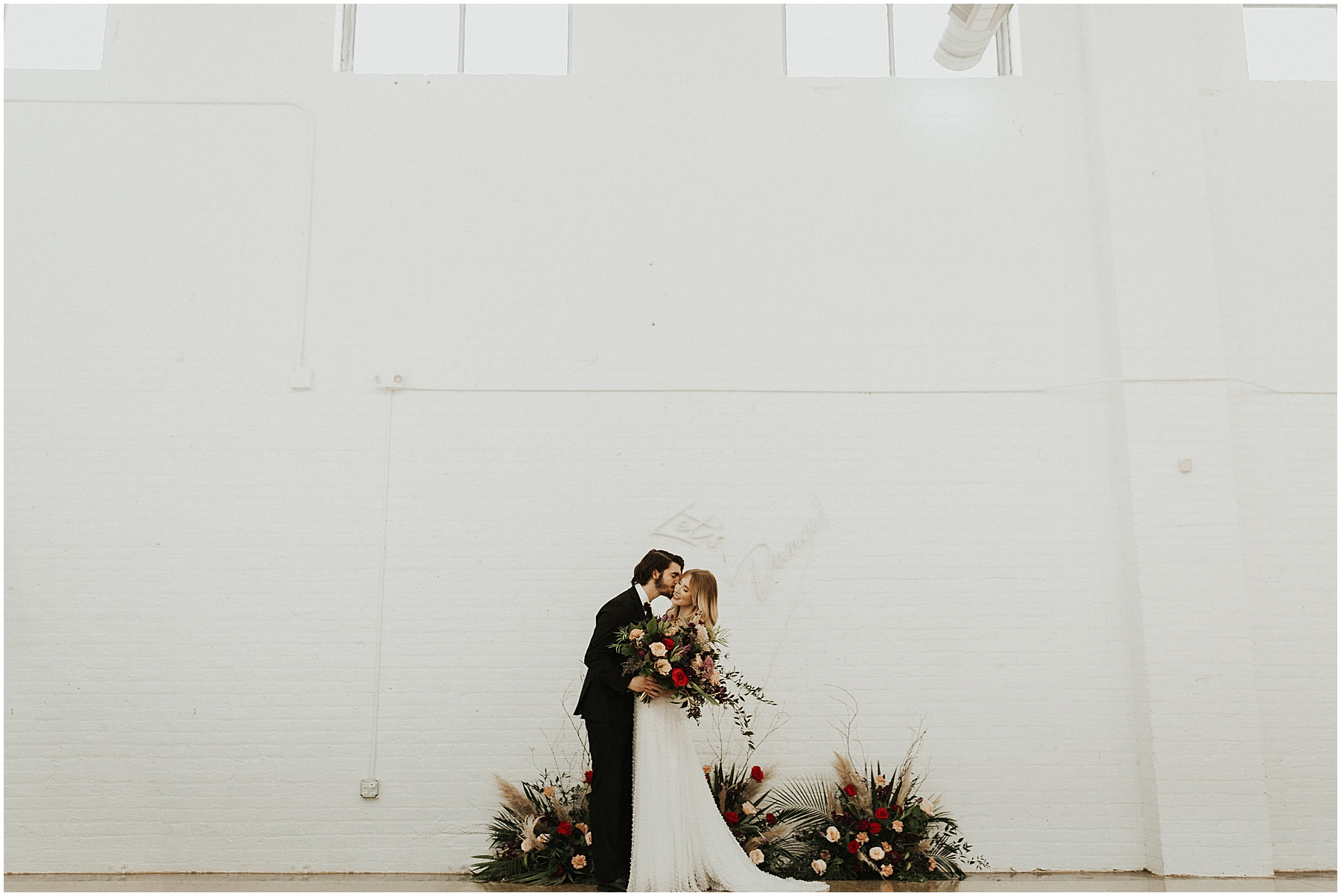 tips for better getting ready photos at your wedding_0067.jpg
