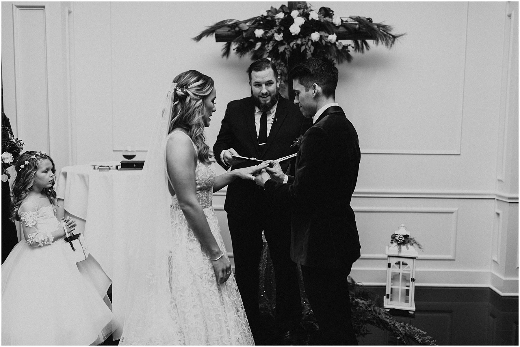 Christmas Wedding in Ohio_0319.jpg