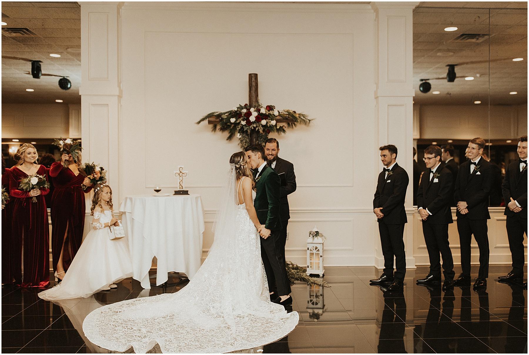 Christmas Wedding in Ohio_0323.jpg
