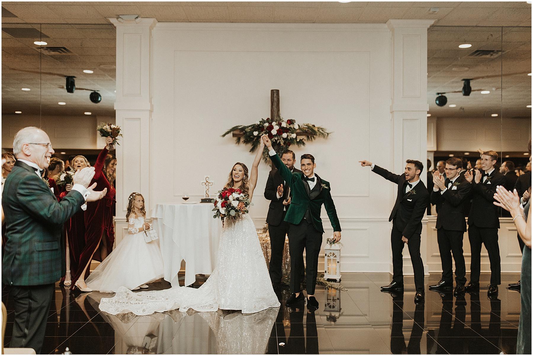 Christmas Wedding in Ohio_0324.jpg