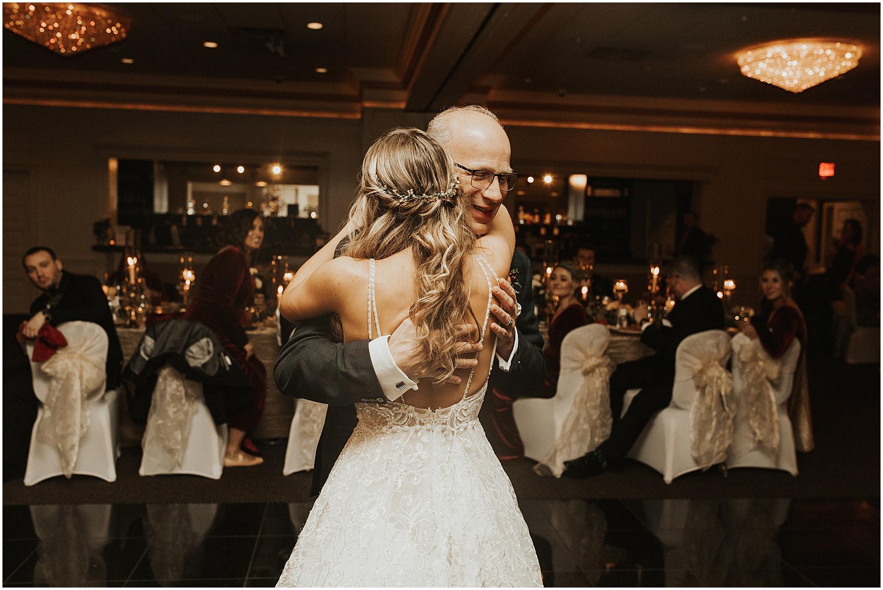 Christmas Wedding in Ohio_0334.jpg