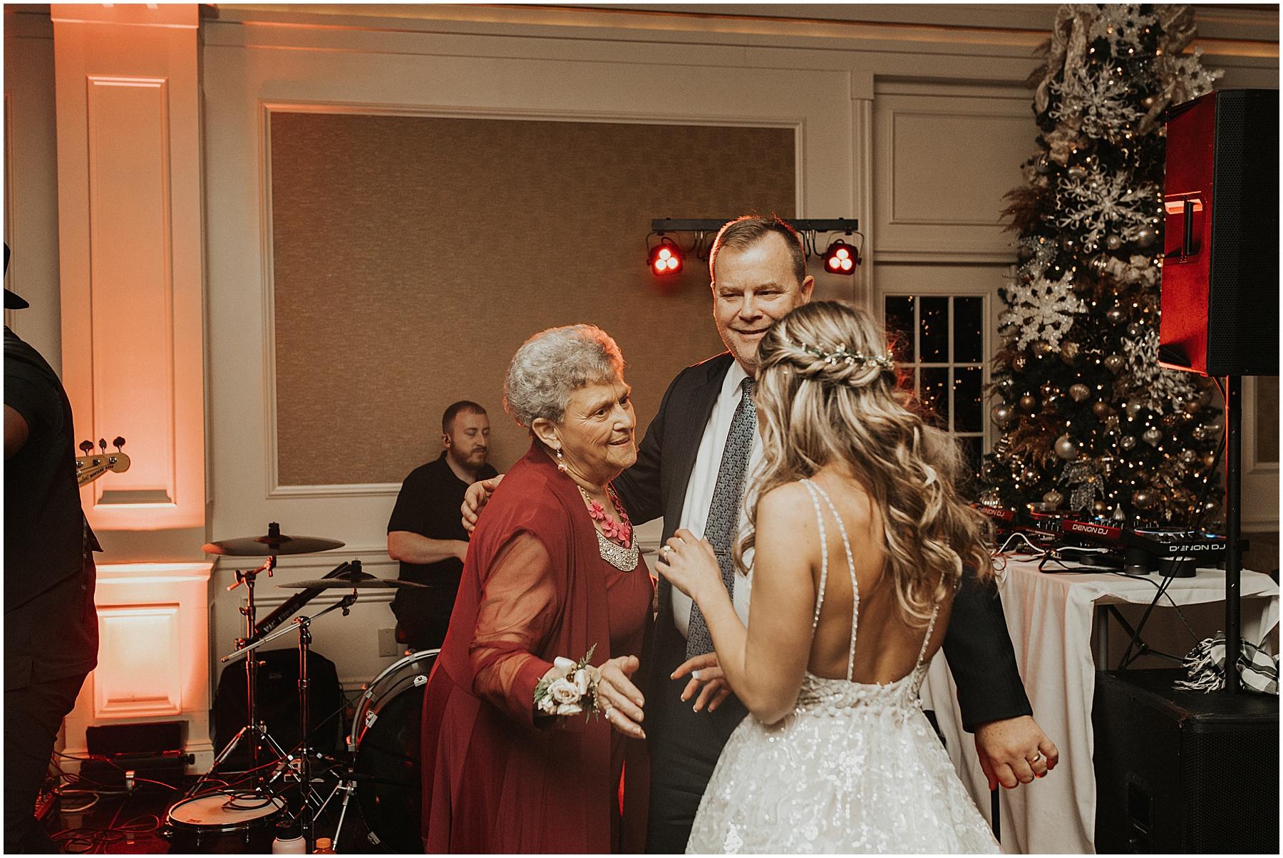 Christmas Wedding in Ohio_0343.jpg