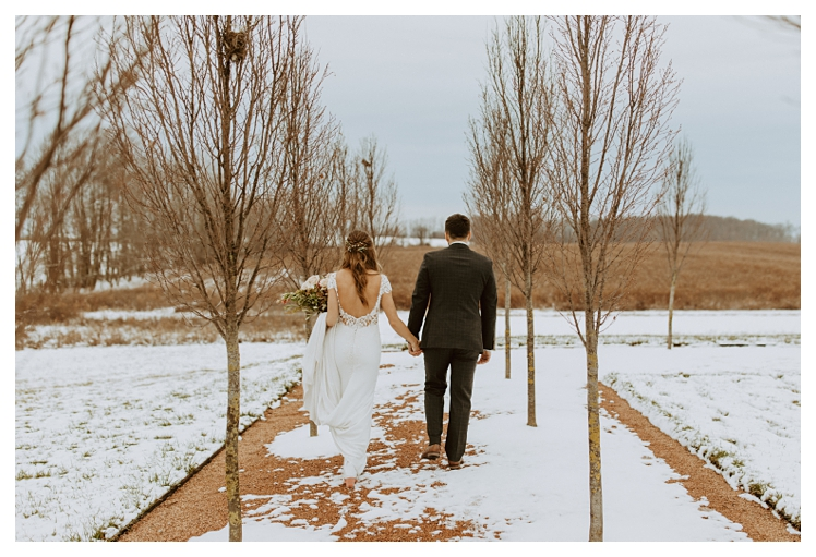 winter boho wedding with snow white barn_1319.jpg